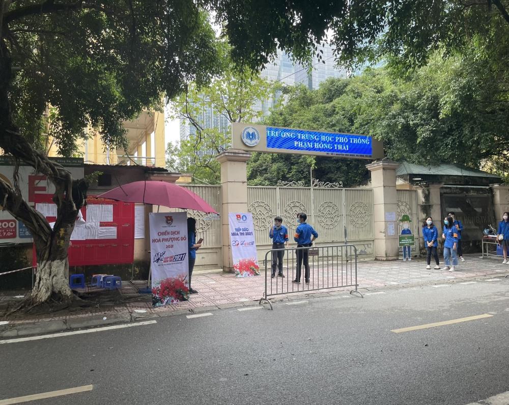 """Kỳ thi tuyển sinh vào lớp 10 tại Hà Nội, các """"sĩ tử"""" phấn khởi, tự tin"""