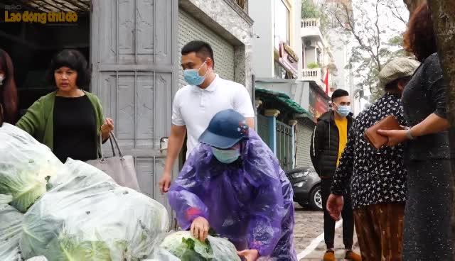 Đoàn viên công đoàn chung tay giải cứu nông sản trong mùa dịch