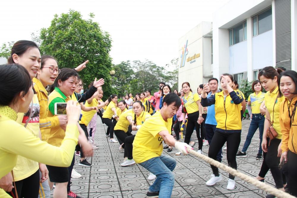Gắn kết tinh thần đoàn kết, sẻ chia trong công nhân viên chức lao động