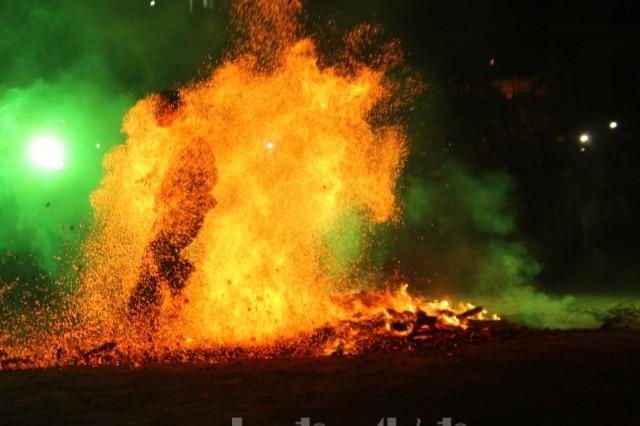 Lễ hội nhảy lửa của người Dao